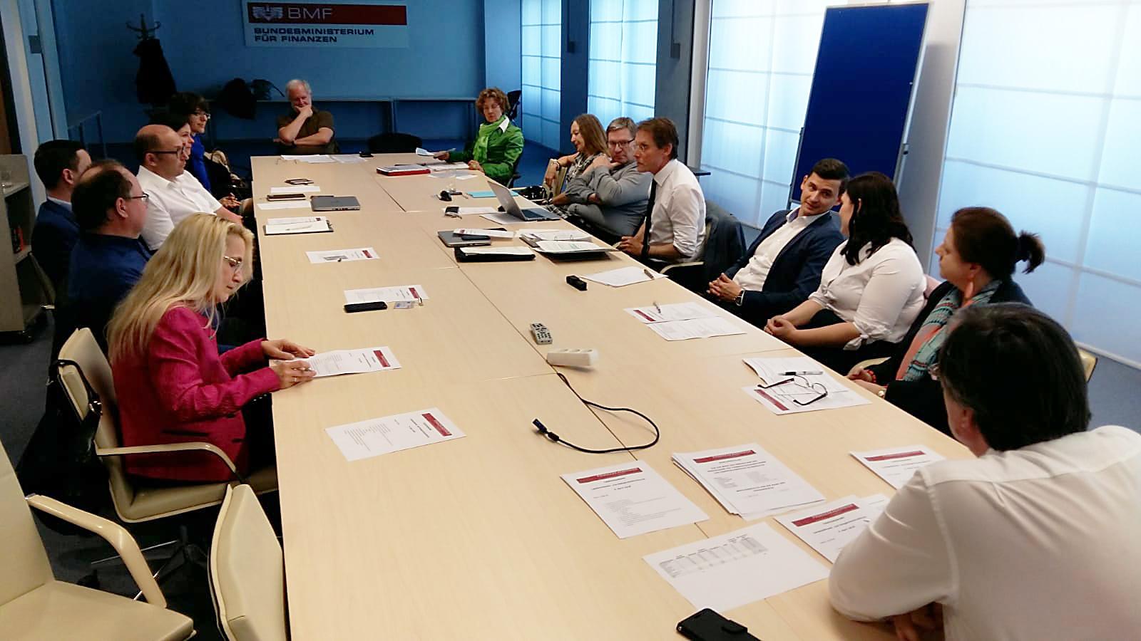 BMF Österreich - Finanzakademiker in Aktion