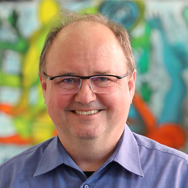 DR. GEORG SCHUSTER - Finanzakademiker