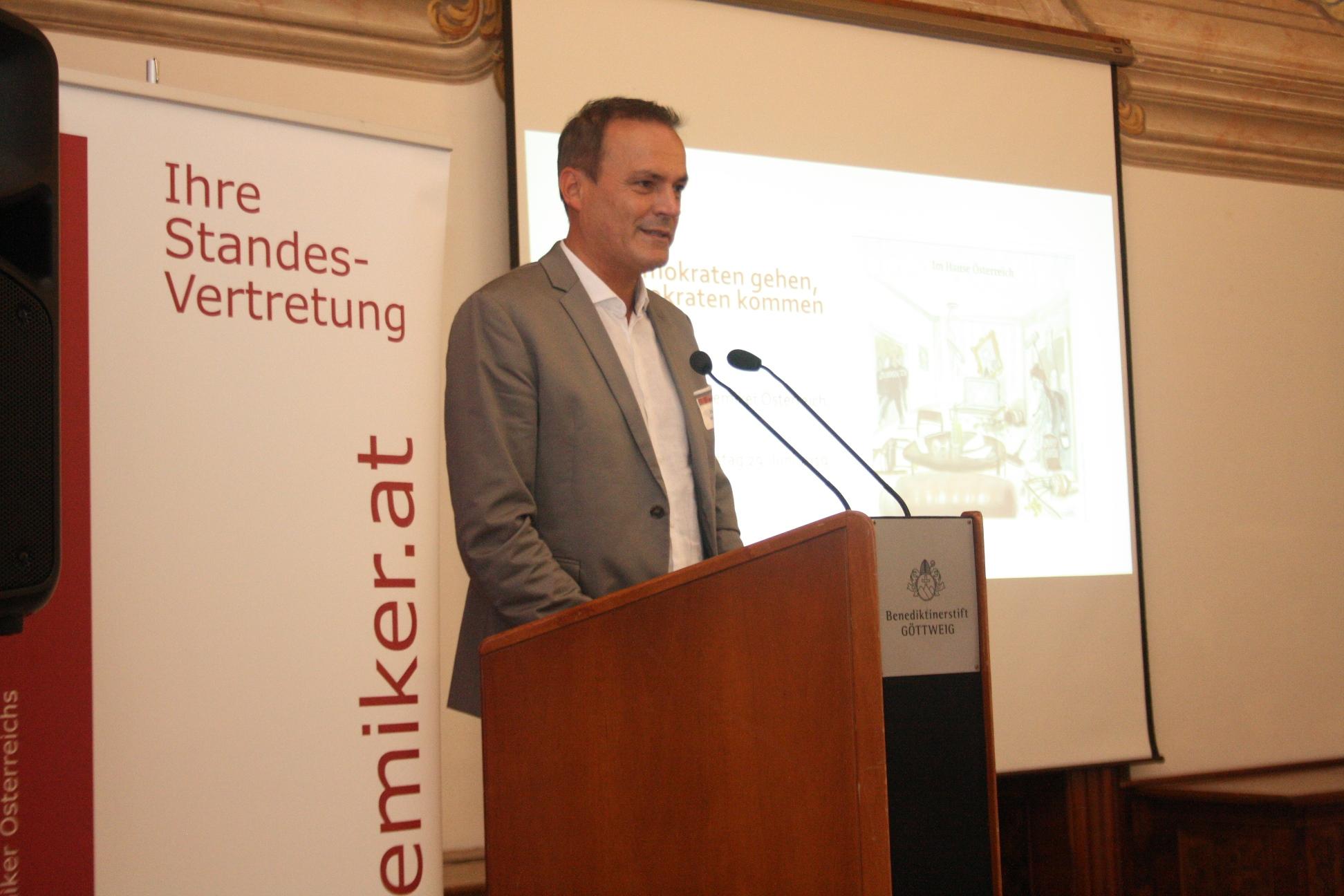 BM Dkfm. Müller bei der Ansprache