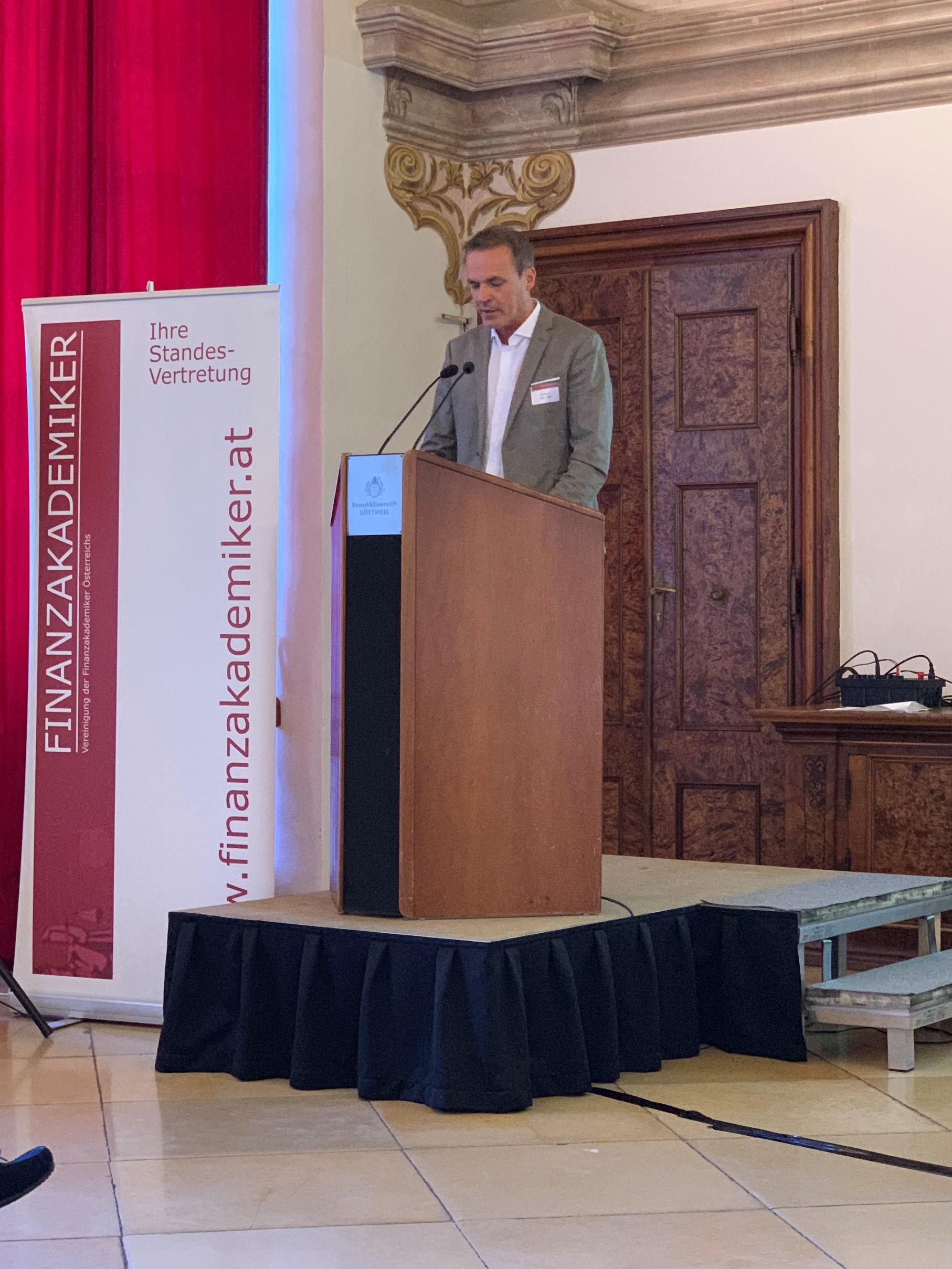 BM Dkfm. Müller bei seiner Ansprache 2